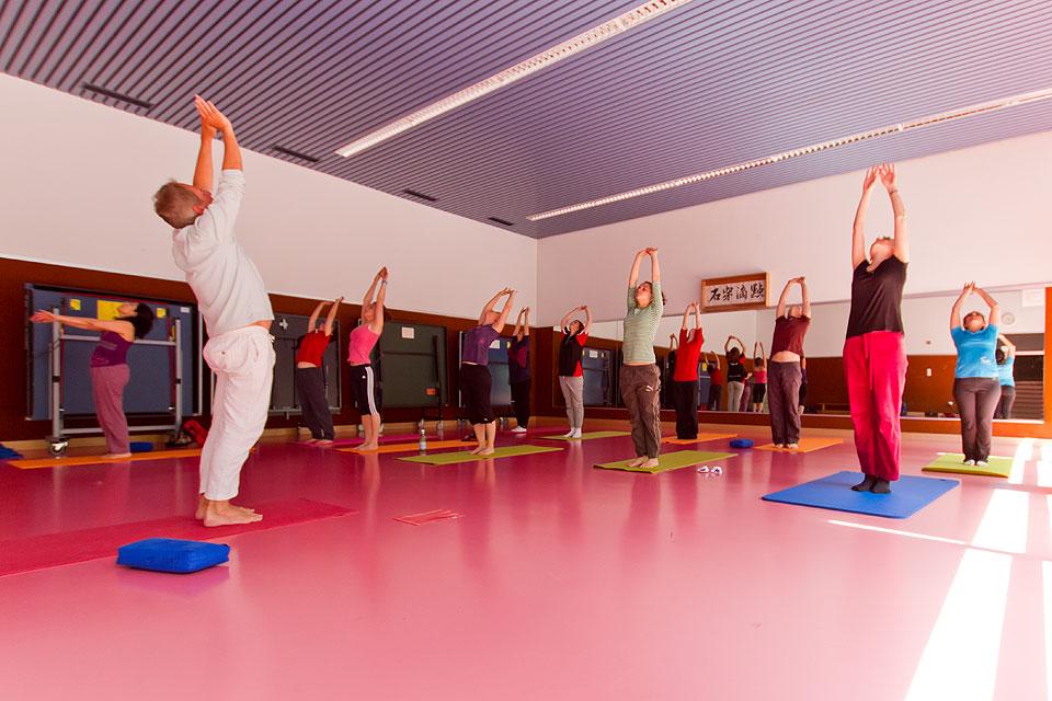 Yoga slide 01